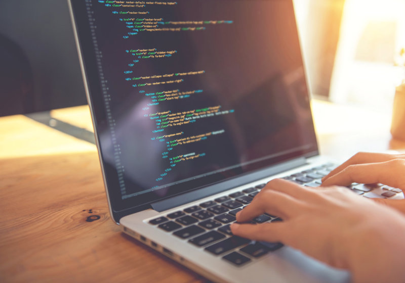 woman hands coding